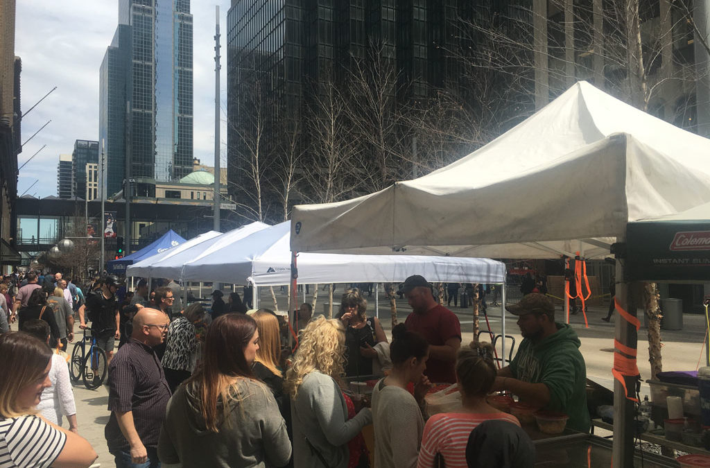 photos: mpls farmers market returns to Nicollet